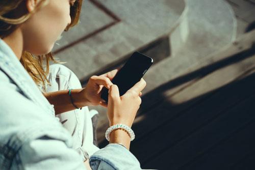 新iphone、顔認証でロック解除