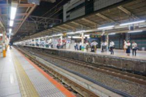 小田急線沿線火災、電車に燃え移る